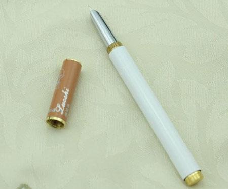 奇特香烟钢笔:可以送给身边的烟民朋友